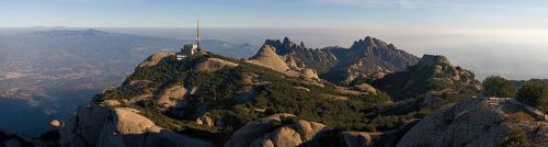 800px-Montserrat_Mountains,_Catalonia,_Spain_-_Jan_2007