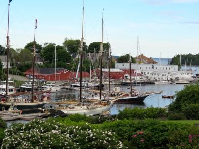 Mary Day (center) in Camden Harbor