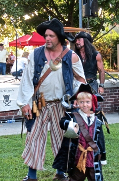 Pirate and little Pirate
