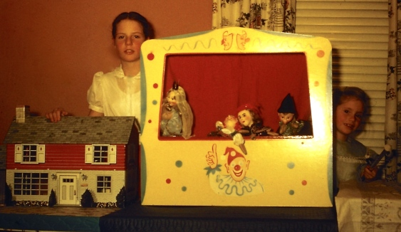 Doll house; puppets