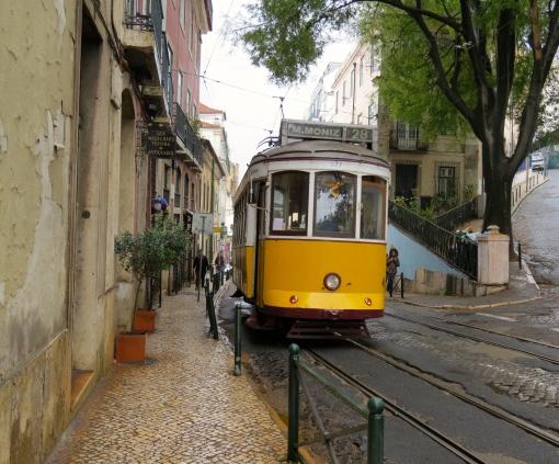 Tram 28 in Alley